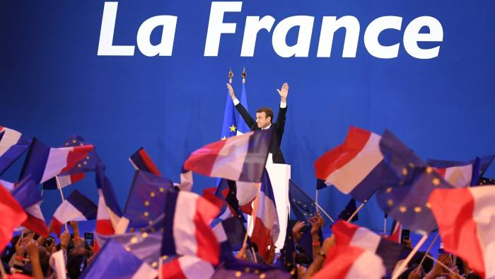 Macron: celebrations at the first round of the French elections. Click to enlarge