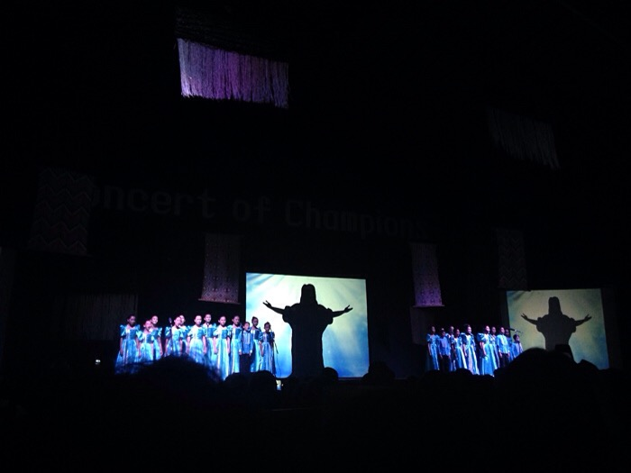 Loboc Children's Choir - Sandugo