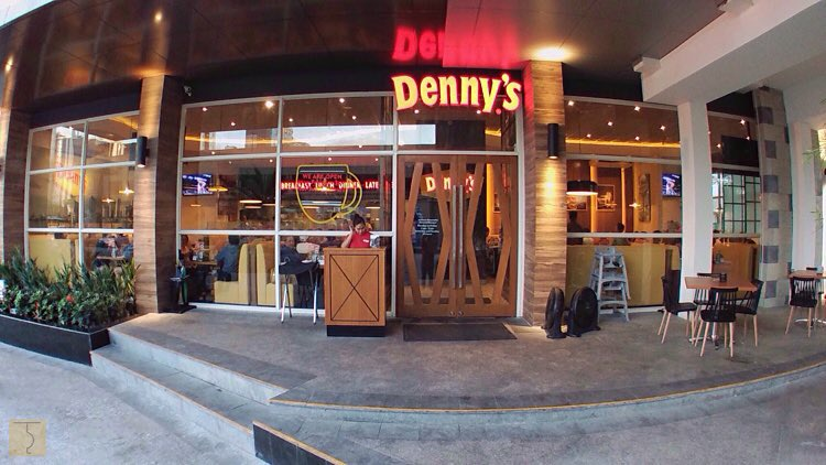 Dennyu0027s - Philippines - Uptown Parade - BGC - The Bistro Group & Dennyu0027s opens its doors at Uptown Parade BGC!