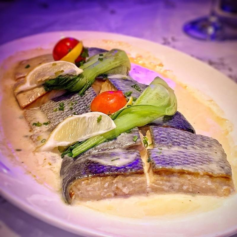seaking - Baked Salmon with Beurre Blanc