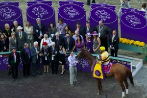 Wise Dan in the winner's circle after the 2013 Breeders' Cup Mile - Breeders' Cup Photo (c)