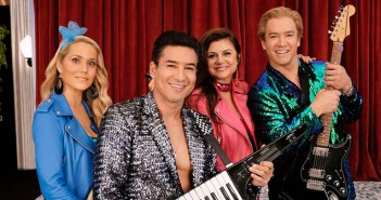 watch new saved by the bell series canada