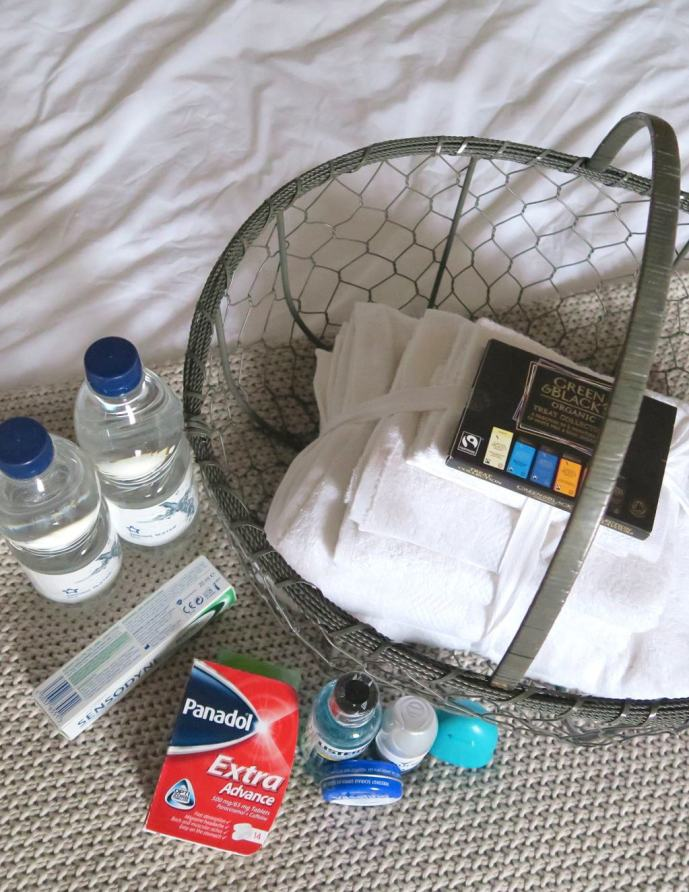 a-welcome-basket-for-houseguests9