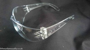Protective sports glasses