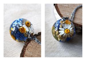 resin-flower-unique-pendant