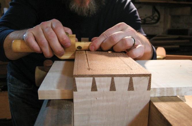 the unplugged woodshop, tom fidgen, the gentleman's valet, beading tool, woodworking, hand tools