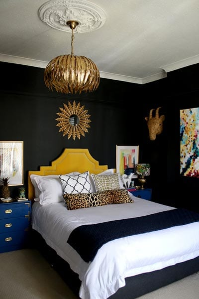 Black walls in the bedroom design ideas