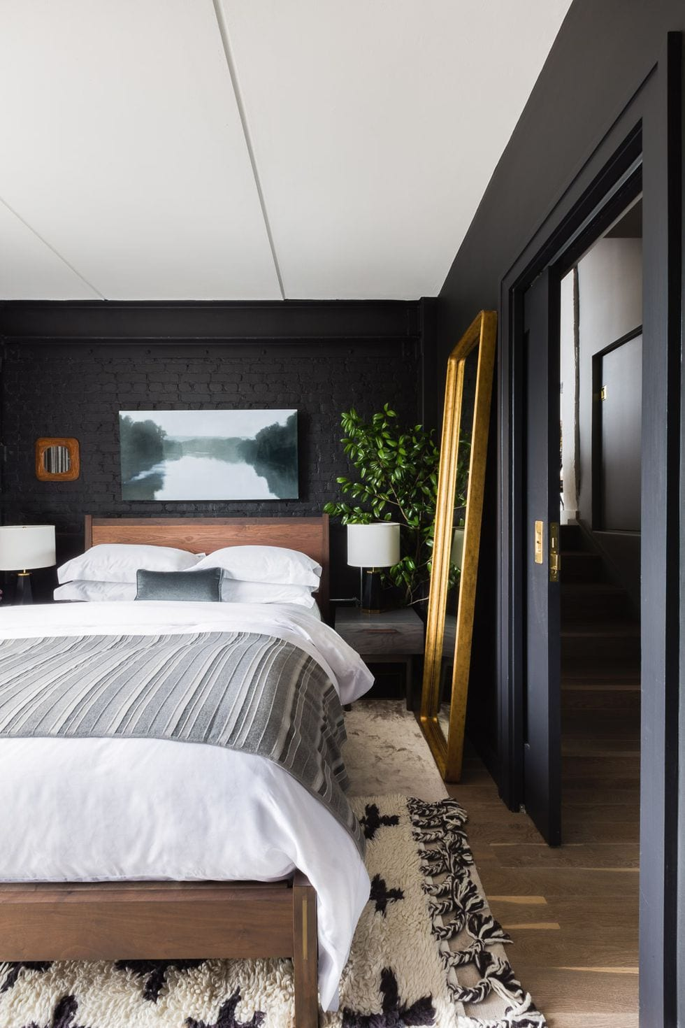 Classic Black bedroom design ideas