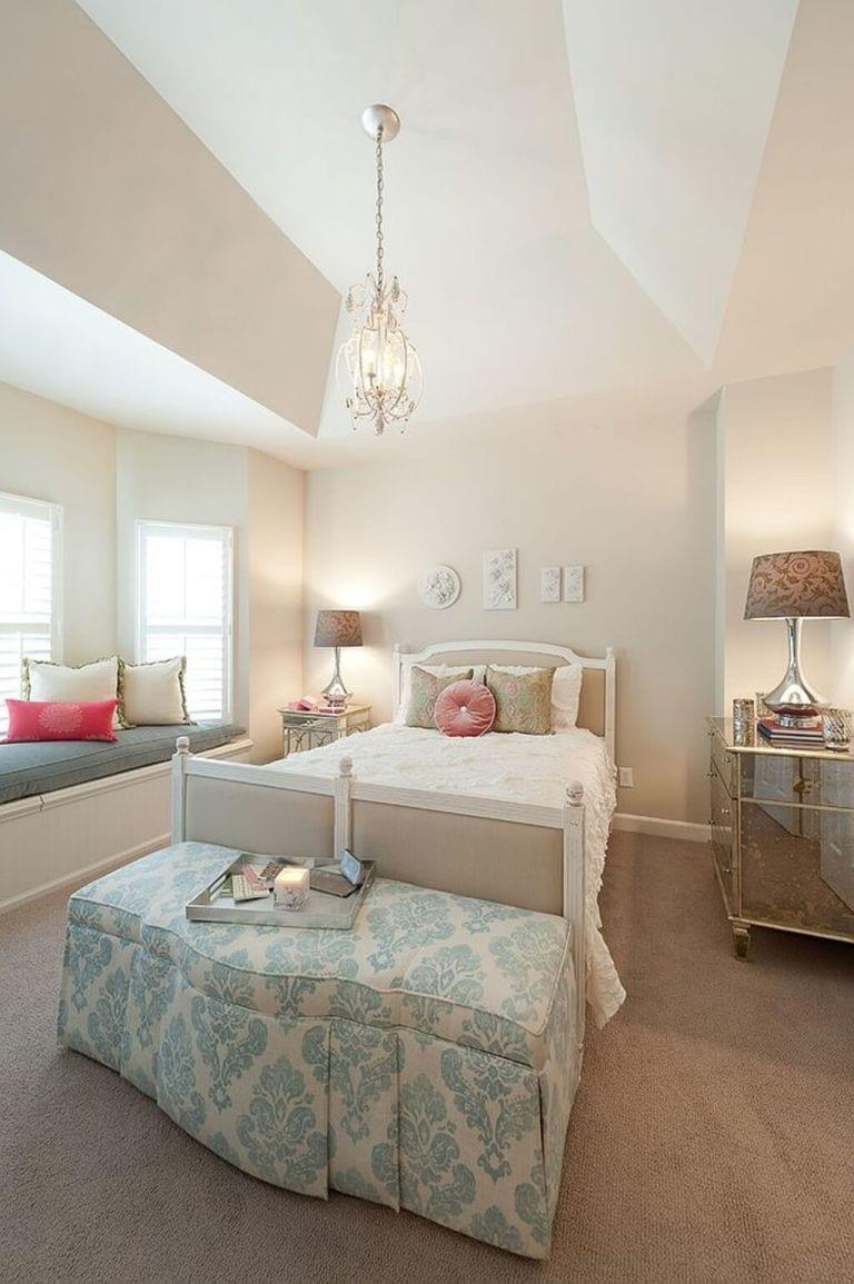 Elegant And Fascinating Bedroom For Women