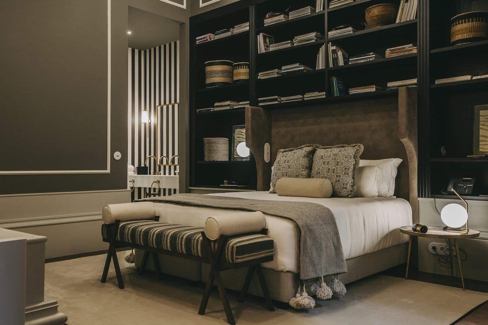 Beautiful master bedroom shelves ideas