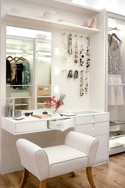 Lavish dressing table design