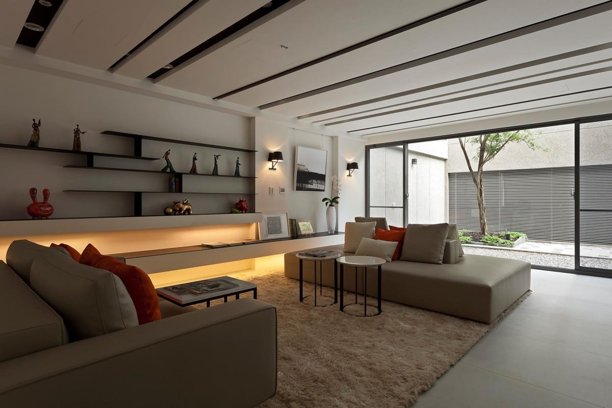 Modern and Minimal Living Room Decor