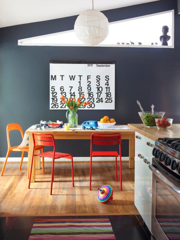 Over-sized Calendar on the wall for decor ideas