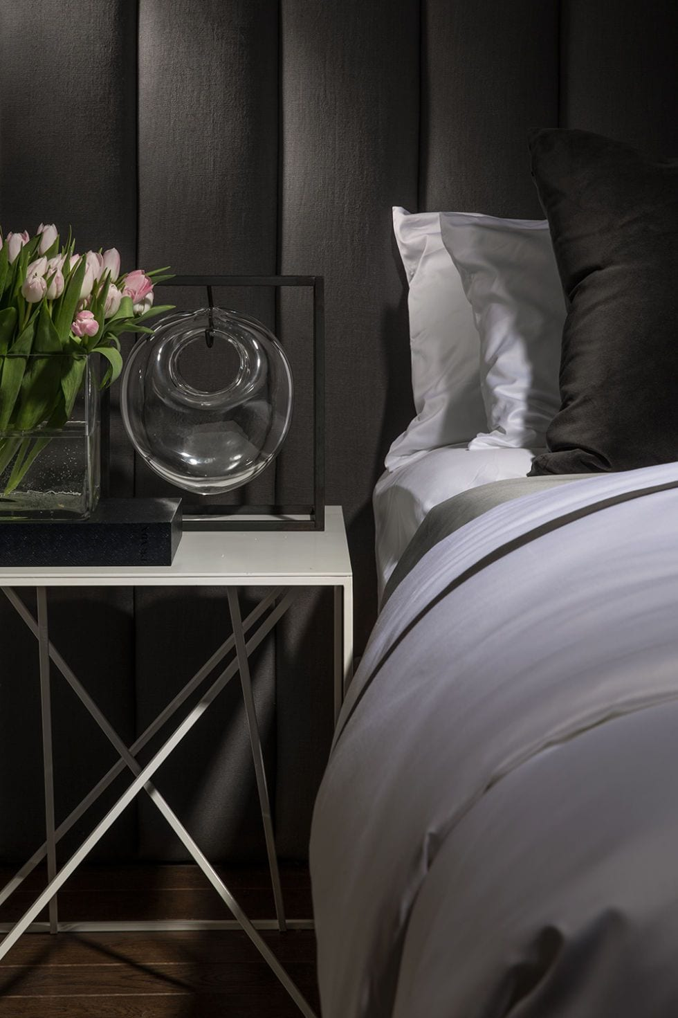 Stunning Stylish Sidetable Design Ideas For Bedroom