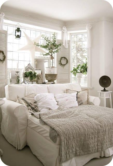 White cozy living room decor ideas