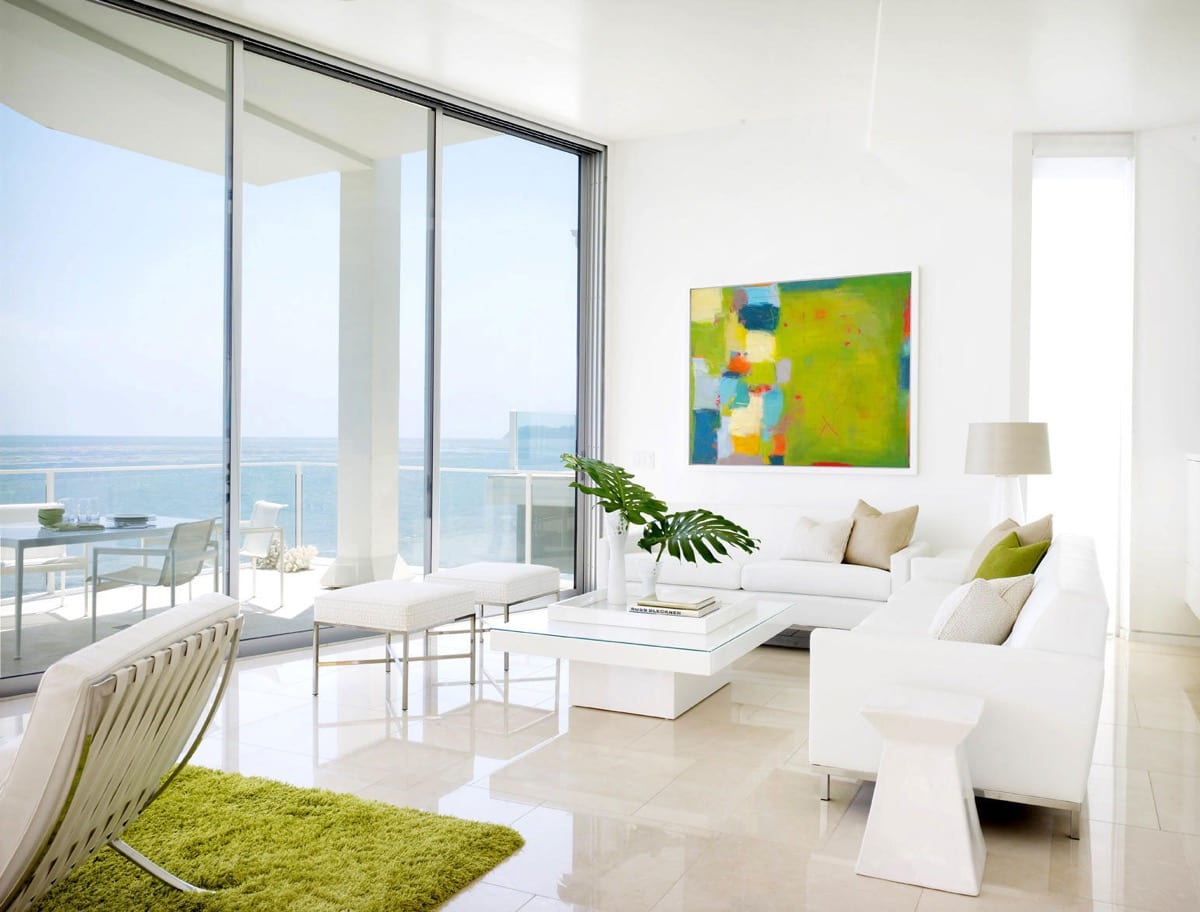 White living room decor ideas by the beach
