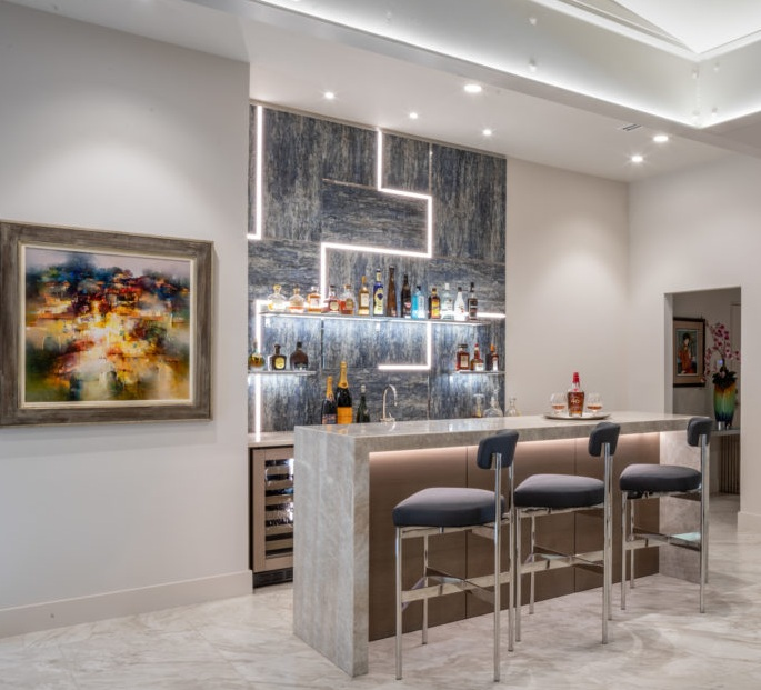 Luxe Bar Home Design Ideas for Lavish Living Room