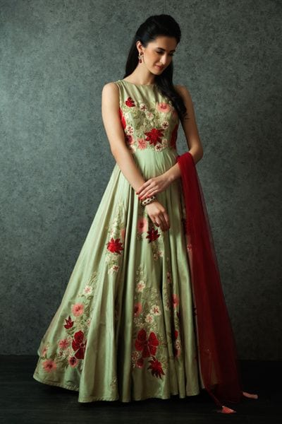 gown for mehendi