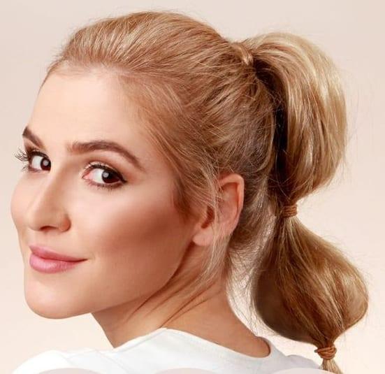 poufed ponytail