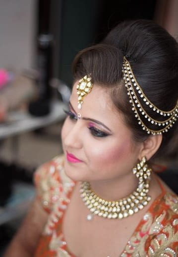 Ethnic Style Guide Tips To Style Maang Tikka With The Perfect Outfits