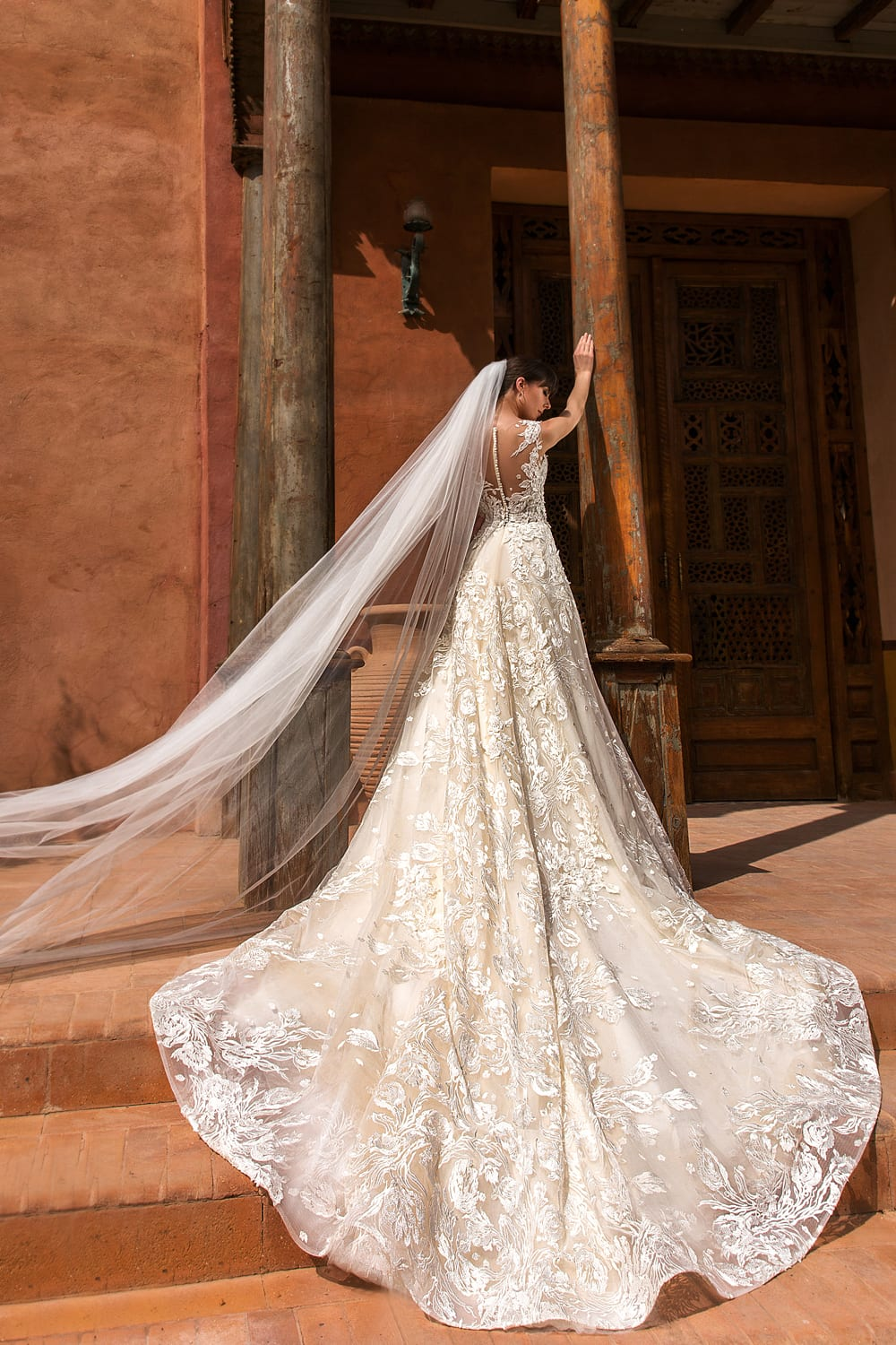 Cool Wedding Outfit Gowns For Women