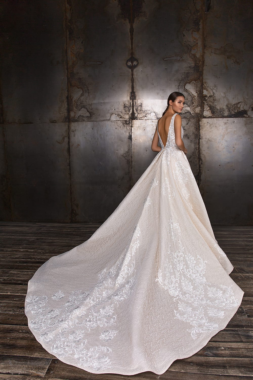 Glamorous Wedding Gown Ideas