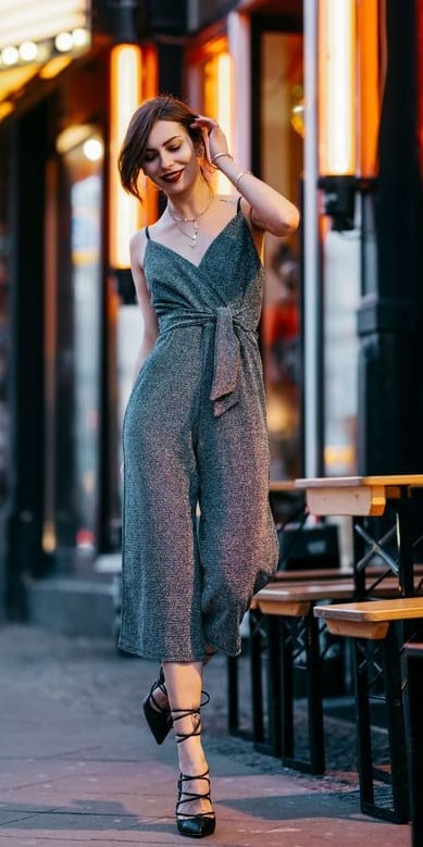 Classy-Jumpsuit-Outfit-for-WomenClassy-Jumpsuit-Outfit-for-Women