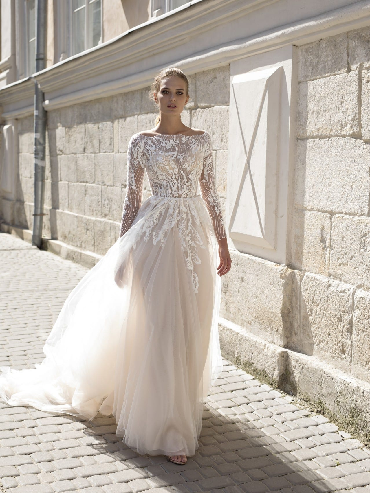 Simple-White-Bridal-Outfit-Ideas