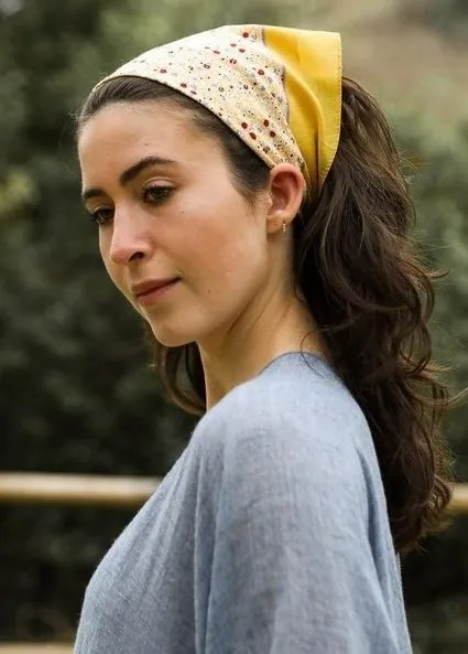 How To Put A Bandana In Hair