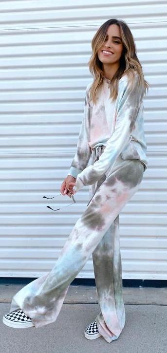 Comfy Tie Dye Set Outfit Ideas for Women