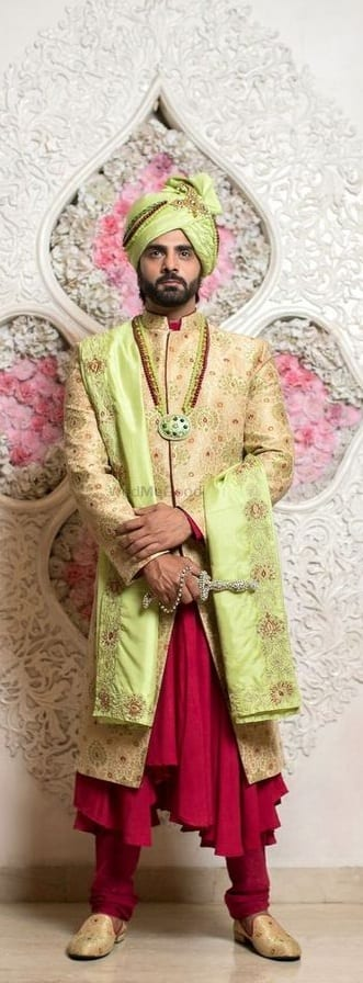 Traditional Wedding Outfit ideas for men To Style