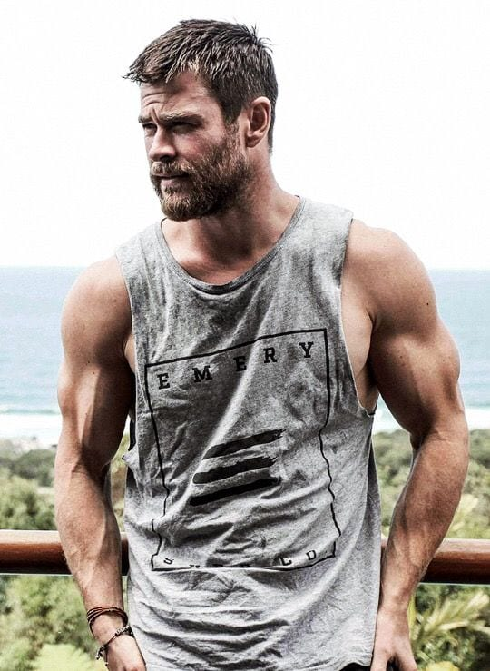chris hemsworth bearded look