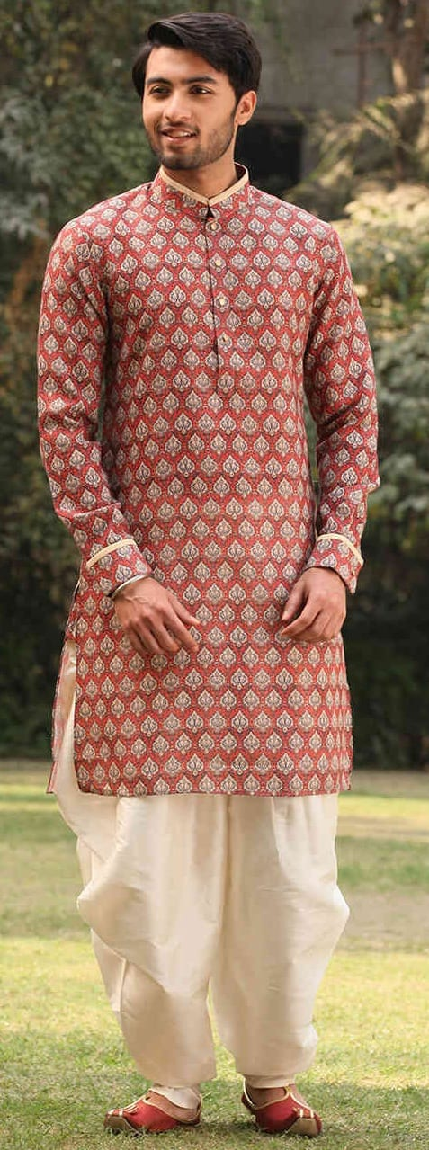 Trendy Pathani Outfit Ideas For Men This Wedding Season