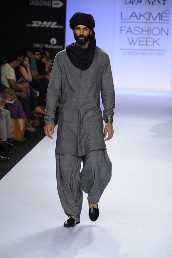 kurta with turban look
