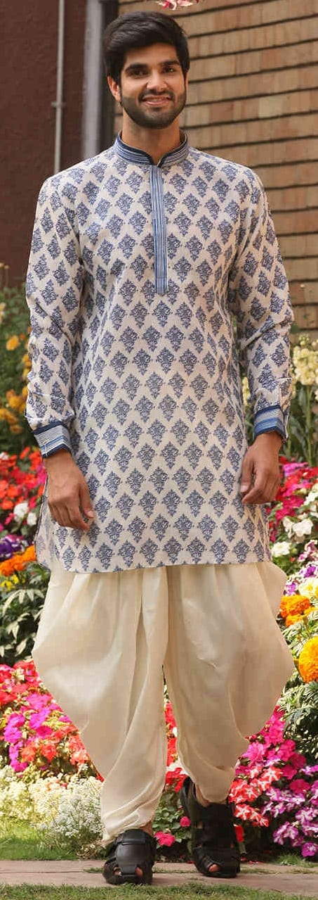 Designer Kurta Outfit Ideas For Men This Season