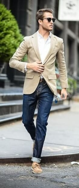 beige blazer with jeans