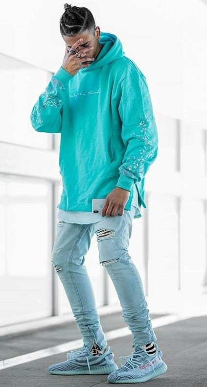 oversized outfit-men's fashion trends