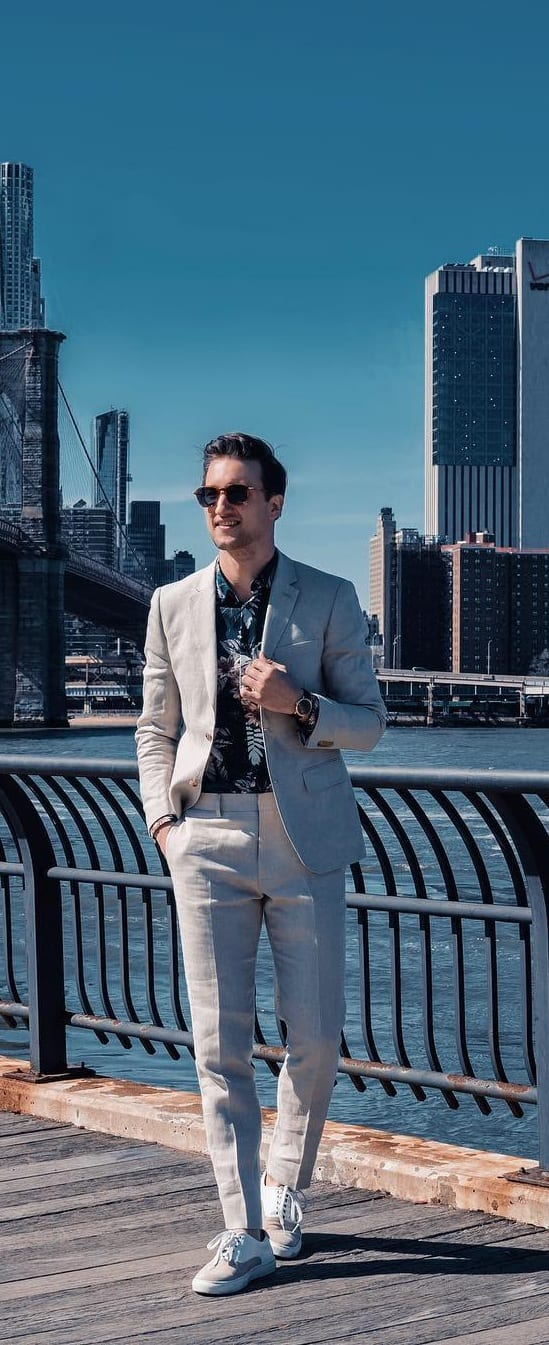 Simple Suits With Sneakers Outfit Ideas