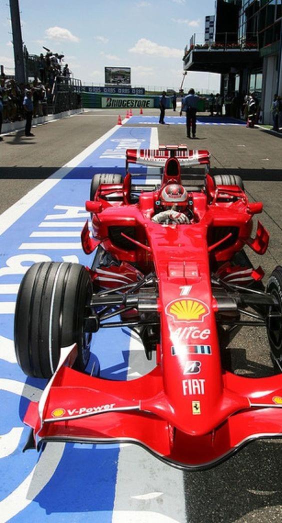 F1 CAR FERRARI F2008