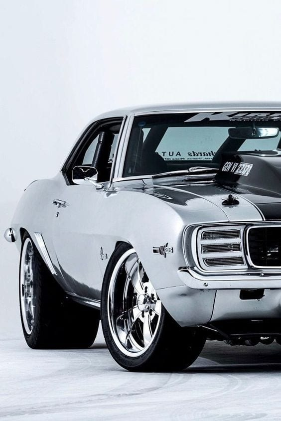 SILVER MUSCLE CAR ford