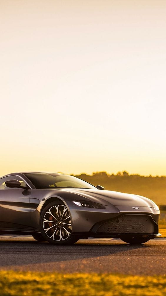 Aston Martin Vantage 2018 wallpaper