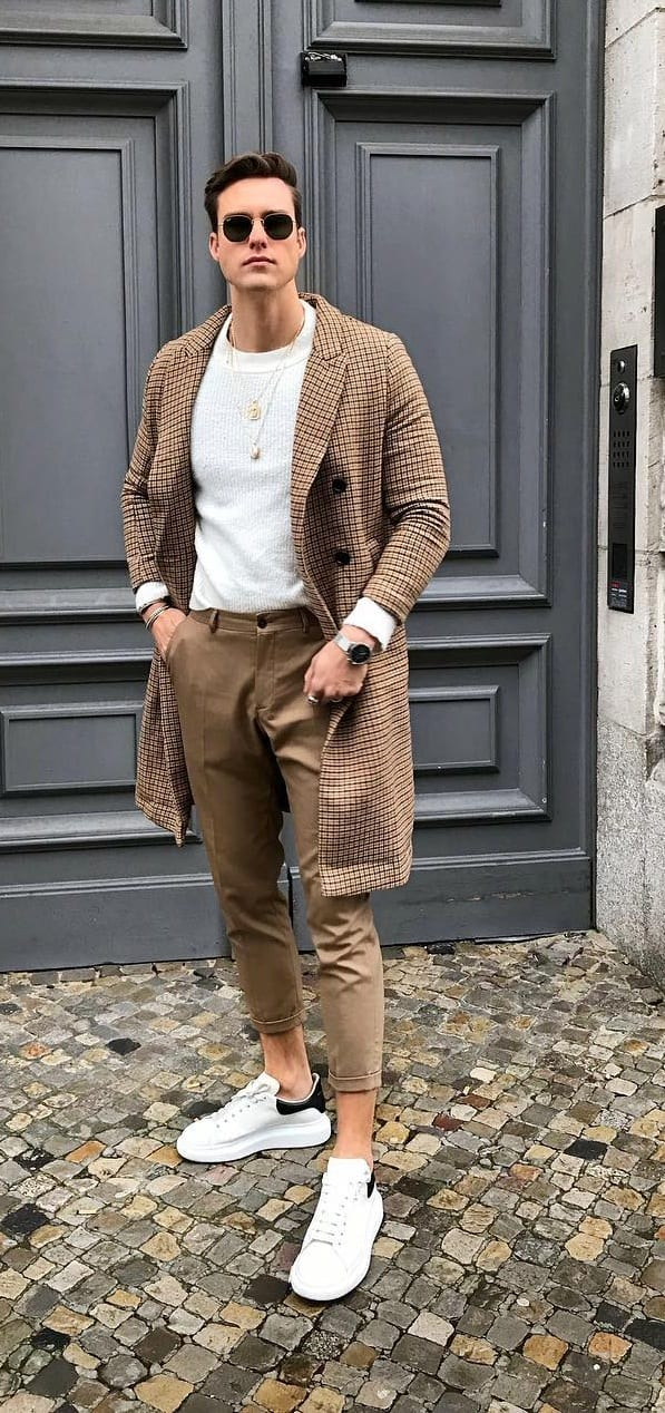 Khaki cropped trousers and overcoat with White Sneakers