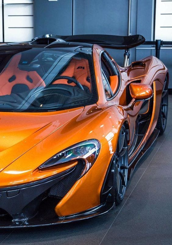 MCLAREN LUXURY CAR