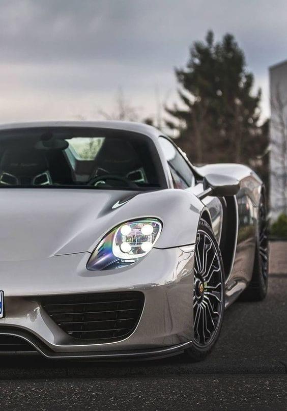 Porsche 918 spyder FRONT VIEW