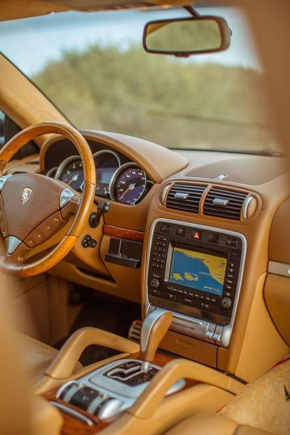 porsche 2004 cayenne turbo interior