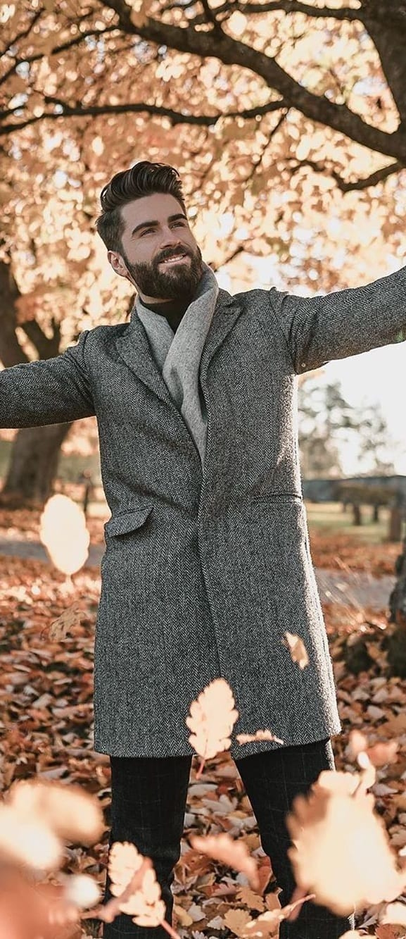 Grey Overcoat Outfit for the Autumn