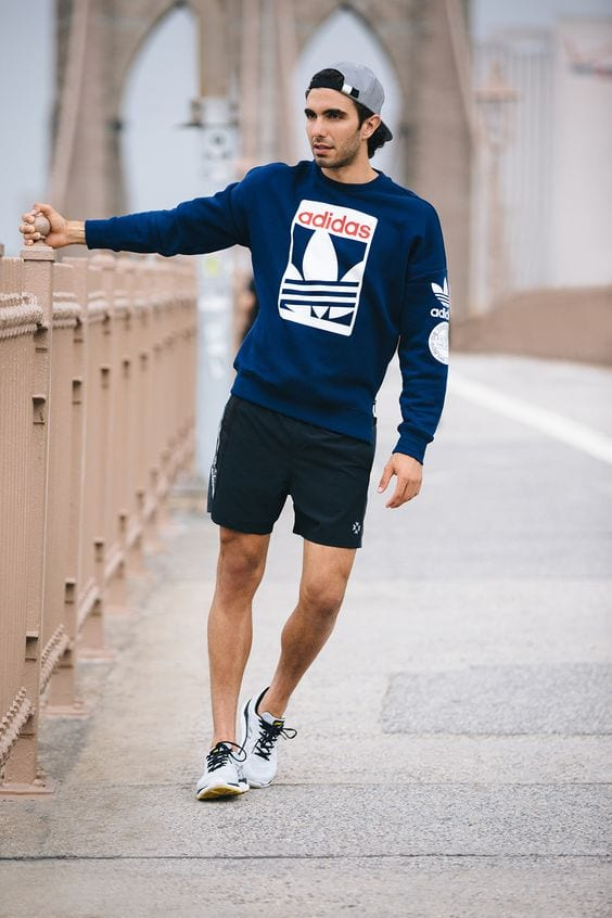 Sweatshirt-paired-with-shorts-for-a-early-morning-run-1