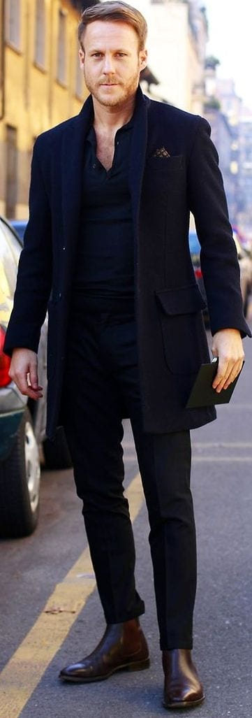 The-complete-black-Outfit-with-Black-Overcoat-1