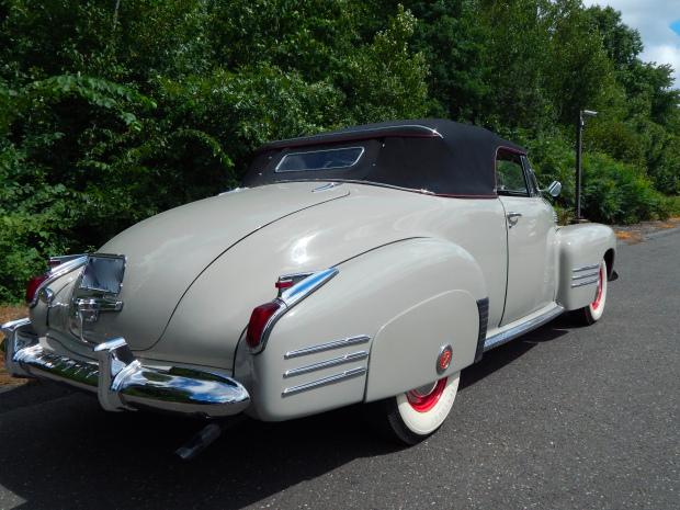 Vintage Cars- 1941 Cadillac Series 62 Convertible