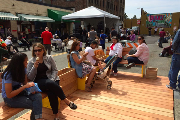 Parklet-at-Street-Fair-02